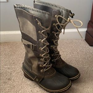 Sorel Conquest Carly boots women's 8.5 olive